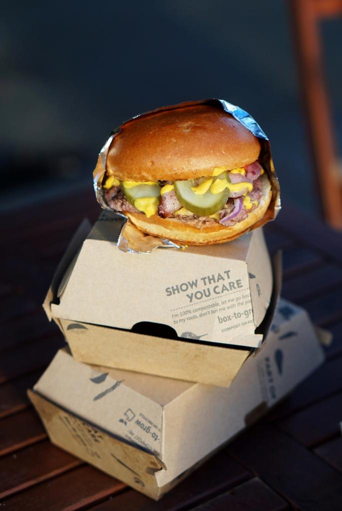 2015.11.27-geezburger2